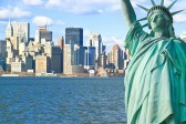 12576199-la-statue-de-la-liberte-et-manhattan-a-new-york-city-skyline